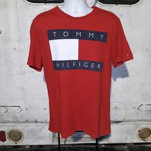 Tommy Hilfiger big logo T shirt size large